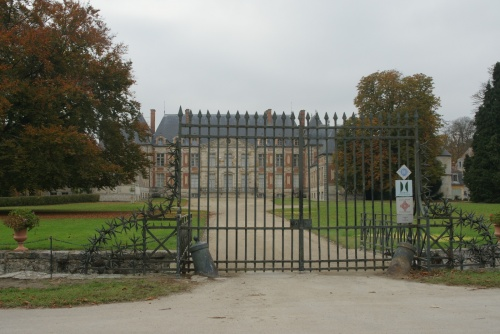 Courson Chateau behind gates